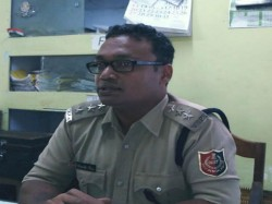 Cid Arrested Three Police Officer Two Army Officer Connection With Golf Smuggling Alipurduar