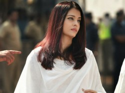 Aishwarya Rai Bachchan Breaks Down During National Anthem Watch Video