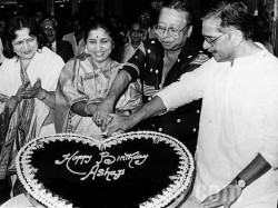 Ups Down Asha Bhosles Love Life Know Her Relationship With Relationship With Rd Burman