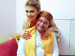 Anup Jalota Girlfriend Jasleen Trolled Fans Compare Them To Priyanka Nick