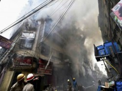 Controversy Over Arrest Bagri Market Fire Between Soven Chatterjee Local People