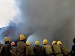Firefighters Try Douse Fire That Broke At Bagri Market