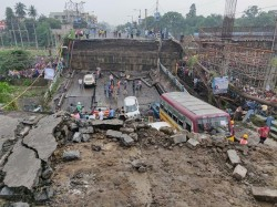 Kolkata S Majerhat Bridge Collapse Suo Motu Case Registerered Alipur Police Station
