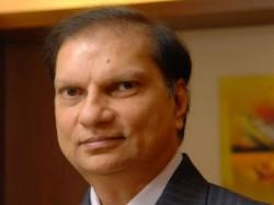 Gujarat Based Businessman Nitin Sandesara Owner Sterling Biotech Wanted 5300 Crore Bank Fraud