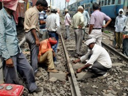 Crores Post Graduates Engineers Apply Be Railway Lower Posts