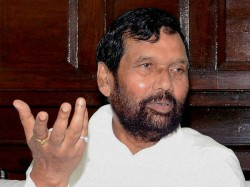Ram Vilas Paswan S Daughter Asha May Fight 2019 Lok Sabha Elections Against Him From Bihar