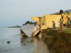The House Land Is Going Down The Erosion The Ganges At Malda