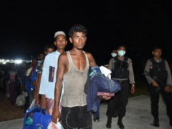 For First Time India Deports Seven Rohingya Immigrants Myanmar