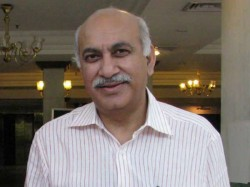 Statement Later Says Metoo Accused Mj Akbar After Landiing Delhi