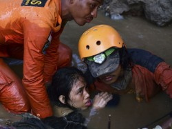 Indonesia Earthquake Death Toll Climbs 1234 170 After Shock Recorded