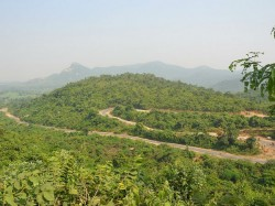 Maoist Fear Gone Tourists Pouring Ayodhya Hills This Festive Season