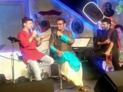 Babul Suprio Abhijit Shan Tributes Kishor Kumar At Lokhandwala Durga Puja