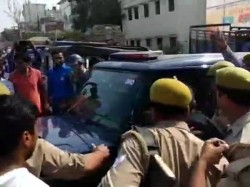 Bjp Councilor Meerut Is Arrested Thrashes Police Lady Lawyer