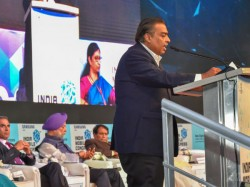 Alert Broadband Firms Reliance Chairman Mukesh Ambani Roars Jio Gigafiber Launch Plan