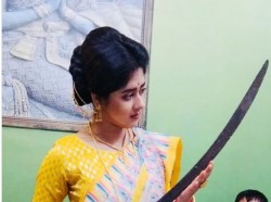 Actress Ditipriya Roy Turns Emotional Holding Rani Rashmoni S Sword