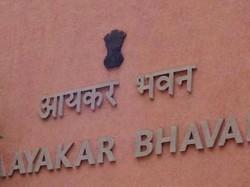 Delhi Minister Kailash Gahlot Raided Income Tax Cm Arvind Kejriwal Hits Out At Centre