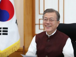 South Korean President Moon Jae In Thanks Pm Narendra Modi Jackets