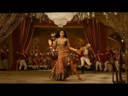 Aamir Khan Is Enthralled Katrina S Beauty Thugs Hindostan Song Of Suraiyya Song