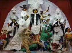 Bengalis Durga Puja Gears Up Mahasaptami