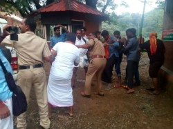 Keral Cm Goes Foreign Trip When State Is Burnt Sabarimala Temple Issue
