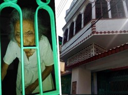 Son Touring India Locks 85 Years Old Mother Home West Bengal
