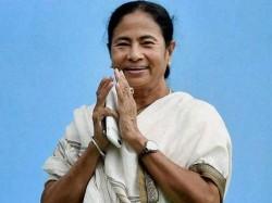Mamata Banerjee Sends Gift Durgapuja Binapani Devi Matua Mahasangha