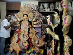 Durga Idol Makers Are On Last Minute Rush At Kumortuli Kolkata