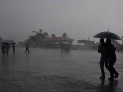 Heavy Rains Likely Kerala Tamil Nadu Pondicherry Karnataka