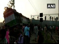New Delhi Bound New Farakka Express Derails Near Rae Bareli Up