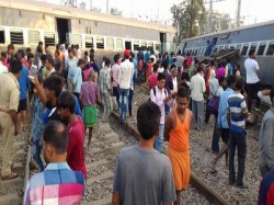 Get Live Update On New Farakka Delhi Express