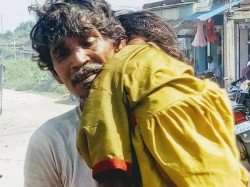 Medical Apathy Father Carries Dead Daughter On Shoulder Bihar