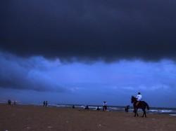 Cyclone Gaja Hits On Tamilnadu S Six District Speed 125 Km