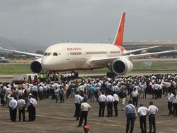 Drunk Woman Abuse With Air India Crew Spits Pilot Not Getting Wine