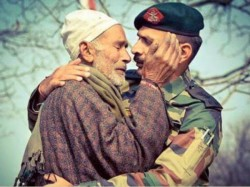Photo Indian Army Officer Consoling Father Slain Soldier Has Left People Teary Eyed