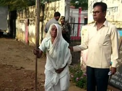 A 100 Year Old Woman Casts Her Vote Chhattisgarh Assembly Elections