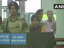 Protesters Block Activist Trupti Desai At Kochi Airport Stop Sabarimala Pilgrimage