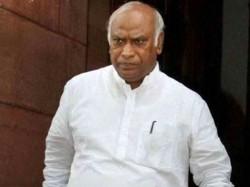 Mallikarjun Kharge Moves Sc Against Centre S Move Sending Cbi Director Leave