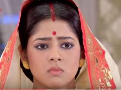 Srijit Mukherjee Protests On Trolls On Ranirashmoni Actress Ditipriya