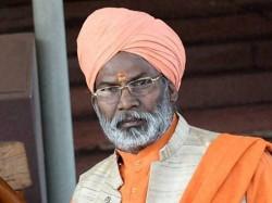 Demolish Jama Masjid Hang Me If Idols Not Found Says Sakshi Maharaj