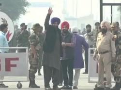 Navjot Singh Sidhu Crosses Border Arrive Lahore Kartarpur Ceremony