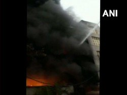 Fire Breaks In Factory At Bawana Industrial Area Delhi 22 Fire Tenders At The Spot