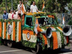 Congress Unit West Bengal Is Favour Fighting Ls Polls Alone