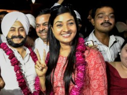 Kejriwal Demands Mla Alka Lamba S Resignation From Aap Over Rajiv Gandhi Bharat Ratna Row