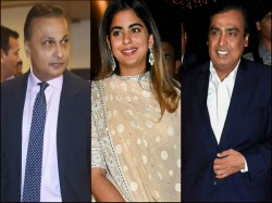Mukesh Ambani Anil Ambani Are Celebrating Isha Ambani S Marriage