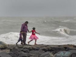Weather Report Kolkata On 13 December
