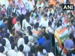Congress Bjp Workers Clash Goa S Panaji During Protest Over Rafale Deal Row