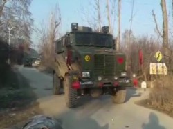Army Jawan 3 Militants 6 Civilians Killed Clashes Kashmir S Pulwama