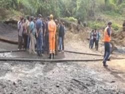Boats Cranes Search 13 Trapped Rat Hole Mine Meghalaya