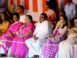 Mukesh Anil Ambani Dances Shows The Spirit Gujratis