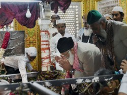 Plea Filed Delhi Hc Demanding Entry Women Inside Nizamuddin Dargah